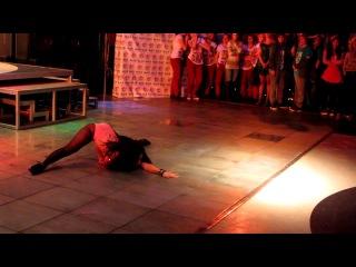 Эротические танцы с алисой малковой